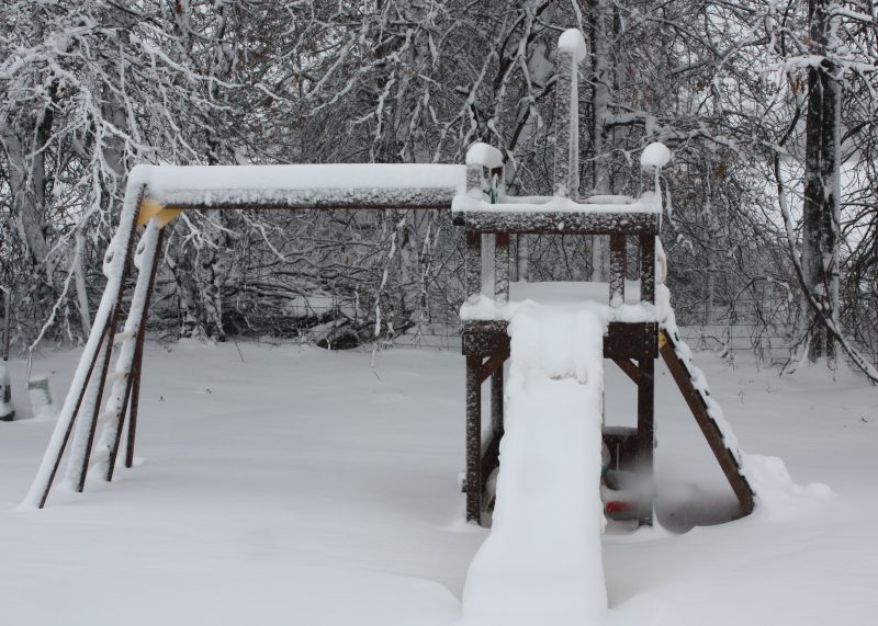 swingset-in-snow