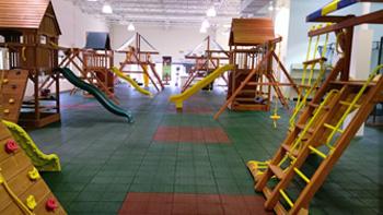 swing-set-manufacturer-showroom