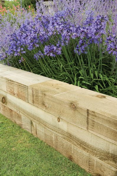 Landscape Timbers Pictures : Landscape edging ideas that create curb appeal